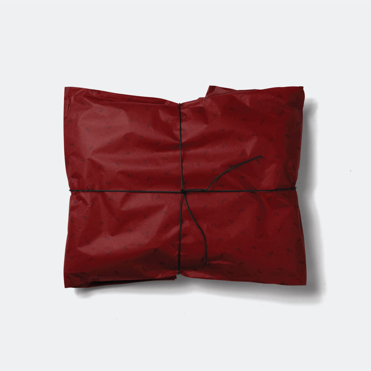 dark red valentines day wrapping paper